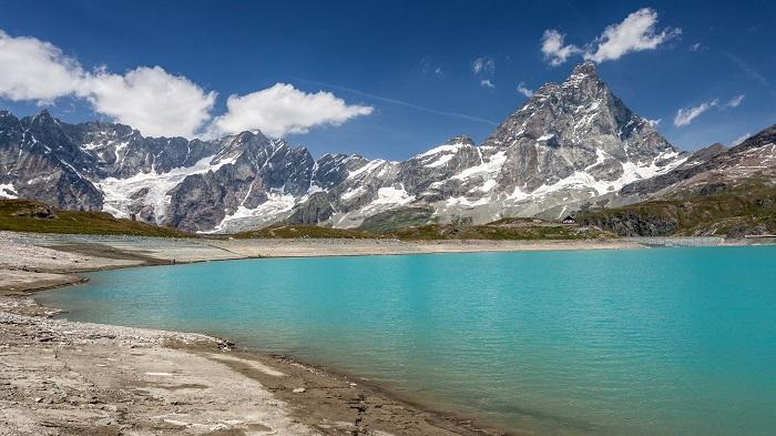 Mount Matterhorn Lake