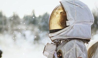 femme de science et d'espace