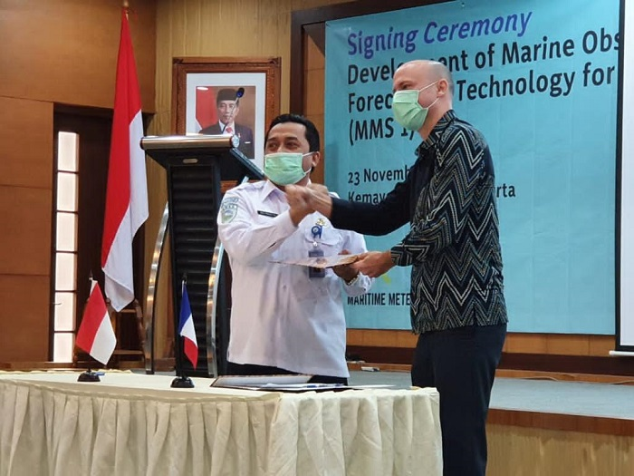 Signature du contrat indonésien MMS1