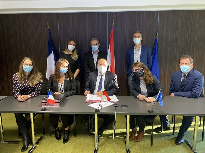 MMS1 contract signing