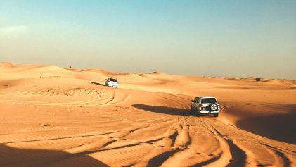 voiture dans le désert